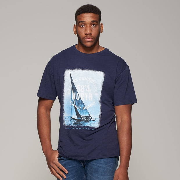 Fortmens model wearing Sailing Fifty-Six Degrees Printed T-Shirt - full body
