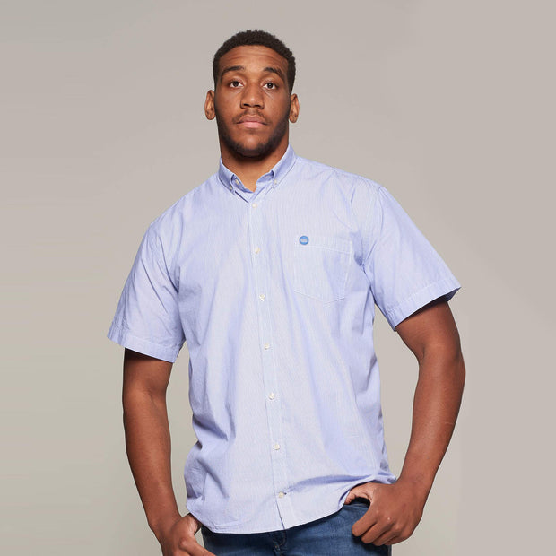 Fortmens model wearing a North 56°4 Sustainable Striped Short Sleeve Shirt in Sky Blue - front view