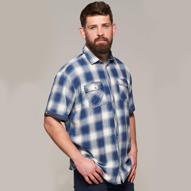 Fortmens model wearing a Replika Blue Checked Short Sleeve Shirt - front view