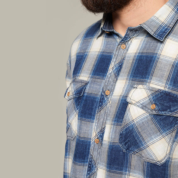 Fortmens model wearing a Replika Blue Checked Short Sleeve Shirt - close up