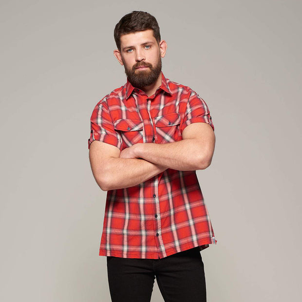 Fortmens model wearing Replika short sleeve shirt red check - full body