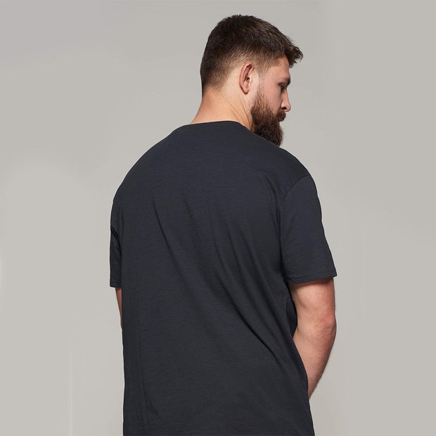 Fortmens model - V-neck t-shirt - back view