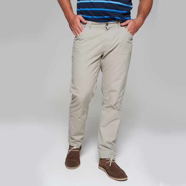 Fortmens model wearing a Redpoint Milton 5 Pocket Chino Beige back view