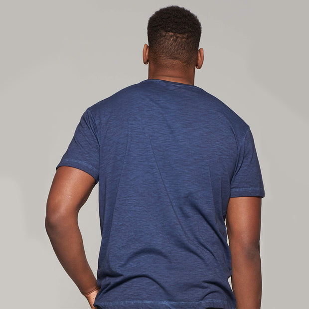 Fortmens model wearing Replika Jeans - LMTD denim cool dyed fashion t-shirt - navy blue - back view