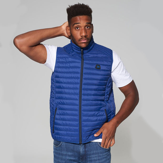 Willis Classic Quilted - Gilet - in Sapphire Blue - Front view , zipped up