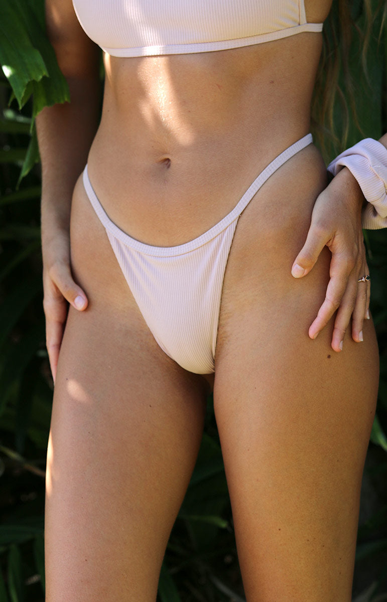 tai swim eli bottom in sunrise