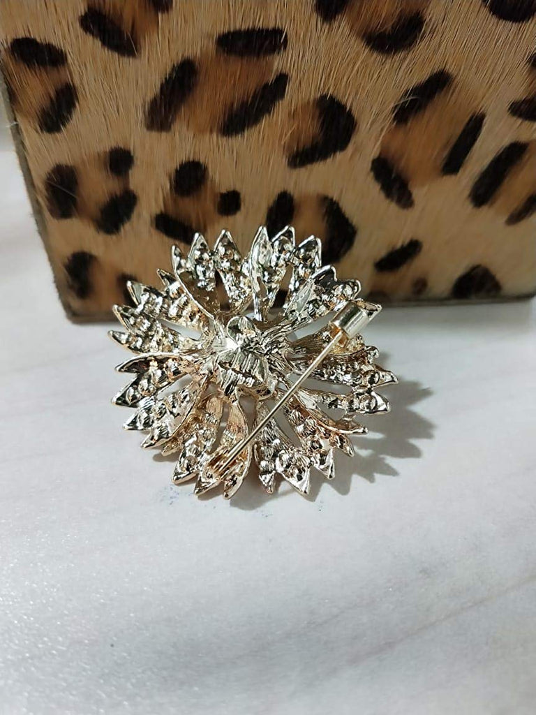 Flower Design Saree Brooch (Gold)