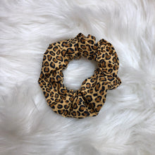 Load image into Gallery viewer, Cheetah scrunchie