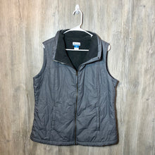 Load image into Gallery viewer, Columbia Vest
