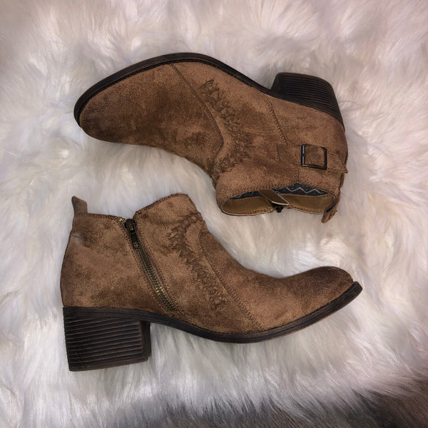 Billabong booties