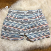 Load image into Gallery viewer, NWT GAP shorts