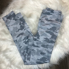 Load image into Gallery viewer, Kyodan Camo Leggings