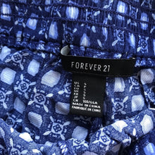 Load image into Gallery viewer, Forever 21 shorts
