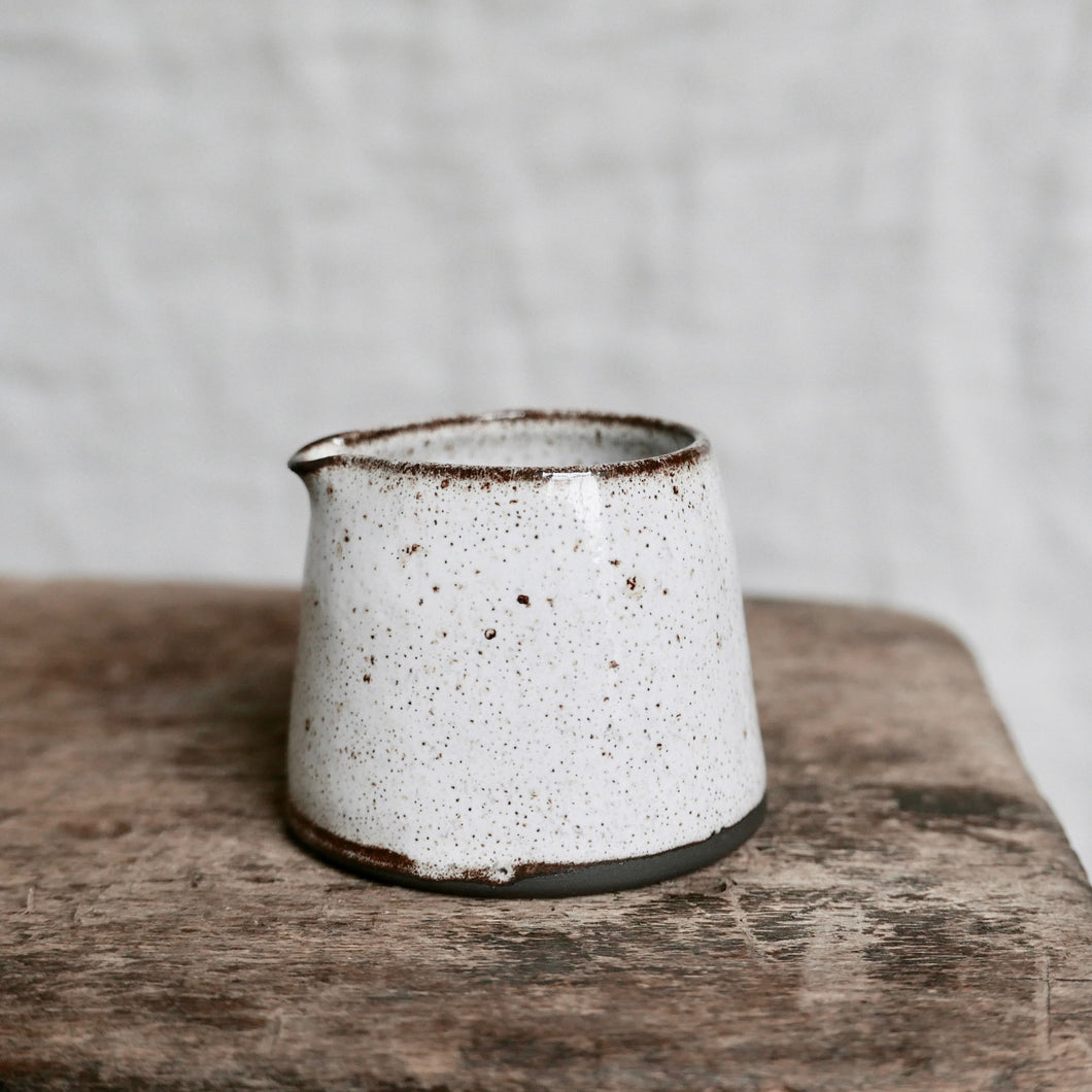 speckled white mini pourer