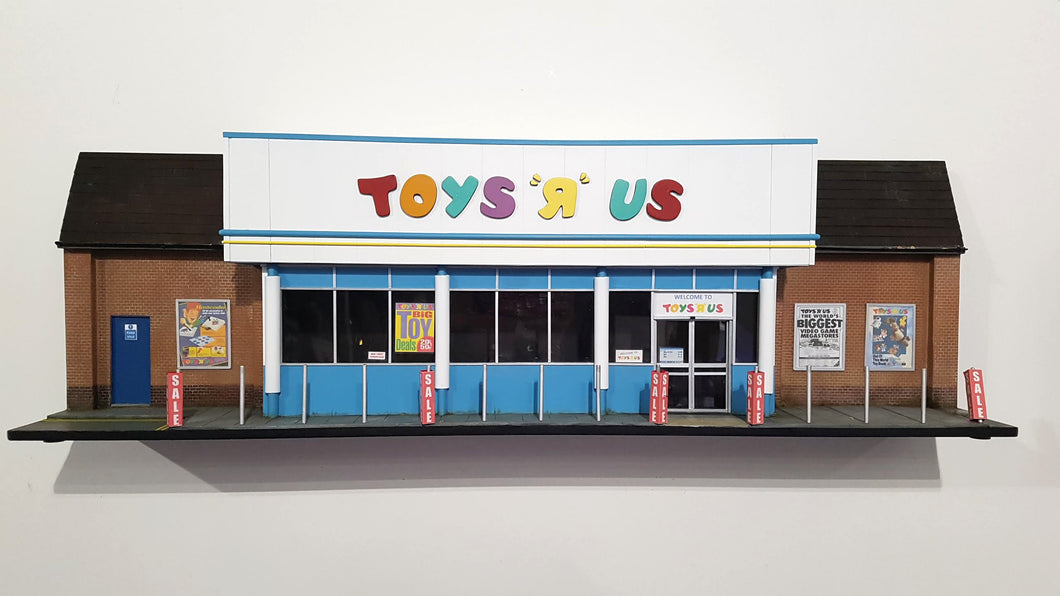 96togo 'Toys r us' Replica Storefront 1:24 scale