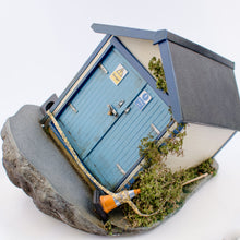 Load image into Gallery viewer, 96togo Beach Hut: Sinking Hut
