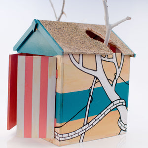 Jo Peel Beach Hut: Beached