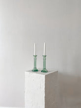 Load image into Gallery viewer, Brown Plastic Measuring Cups