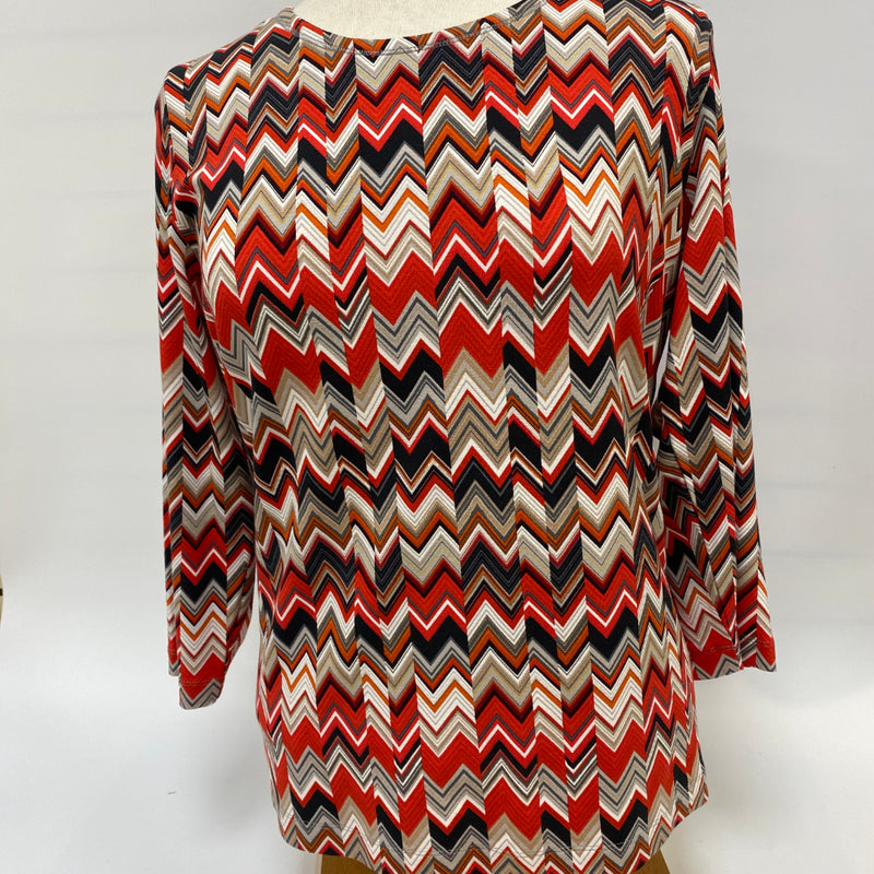 Top Zig Zag pattern. Viscose blend.