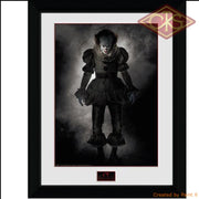 Framed Poster - It Pennywise (Stand) (45 X 34 Cm) Posters