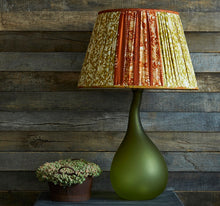 Load image into Gallery viewer, Aakriti Glass Lamp Base