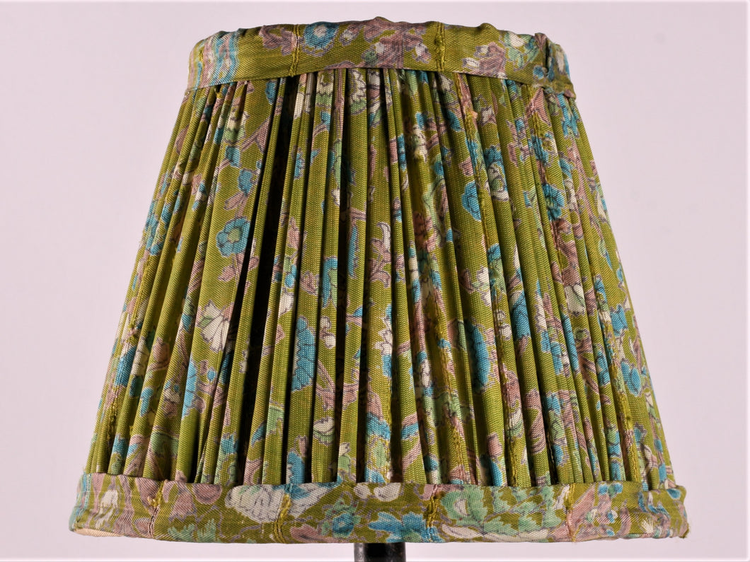 Bright Green With Small Blue Flower Silk Lampshade