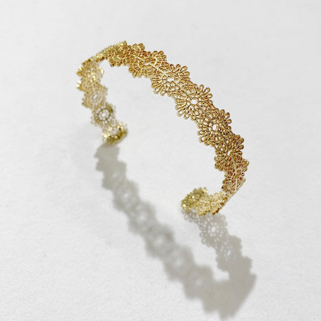 Ella Gold Bangle