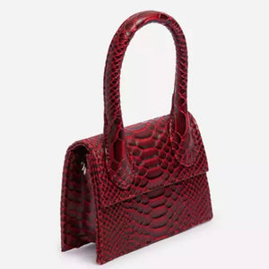 the RONKE croc mini in burgundy
