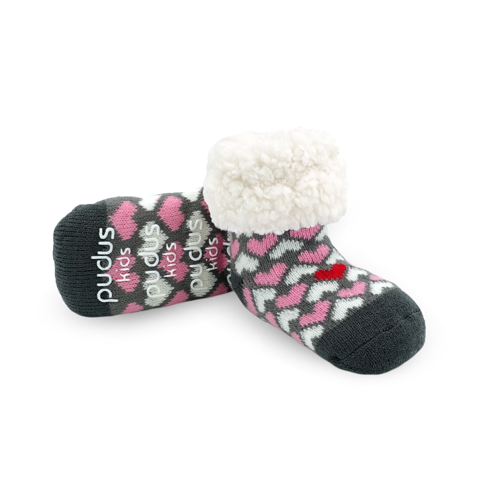 Pudus Cozy Winter Slipper Socks for Kids with Non-Slip Grippers and Faux Fur Sherpa Fleece - Boy and Girl Fuzzy Socks (Ages 4-7) Heart Valentines - Kids Classic Slipper Sock