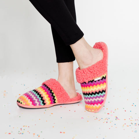 Creekside Slide Slippers | Brights Coral Chevron