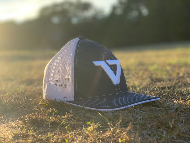 Black & White 'VT' Fitted Trucker Cap - WHT