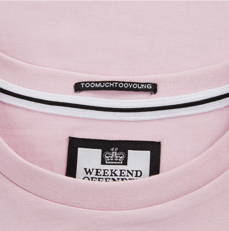 Weekend Offender Cannon Bleach Badge Mens T-Shirt in Marshmallow Pink