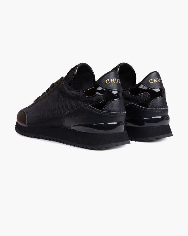 Cruyff Trainer V2 a true nighttime mens trainer in Black