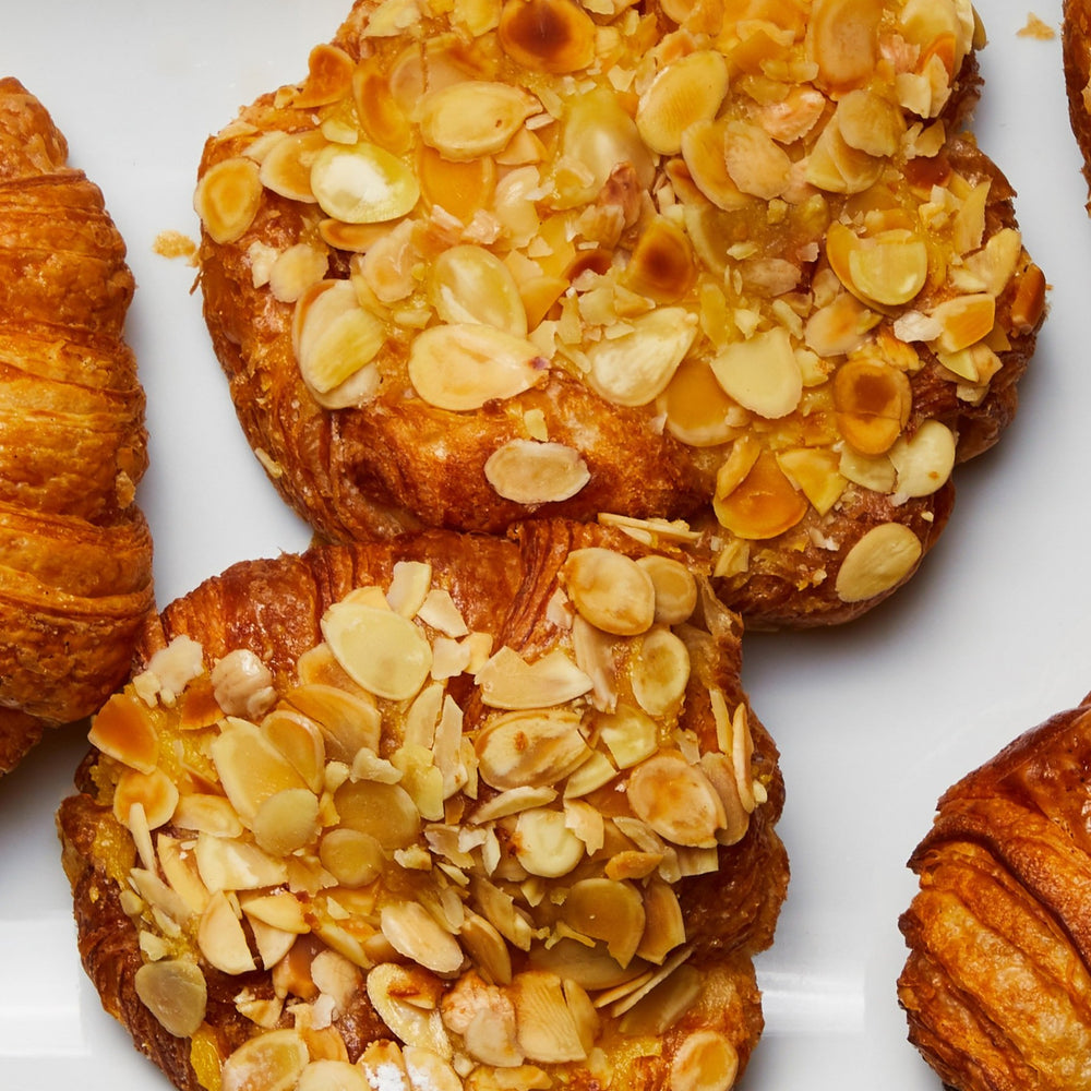 Load image into Gallery viewer, La Fromagerie - Almonds croissant