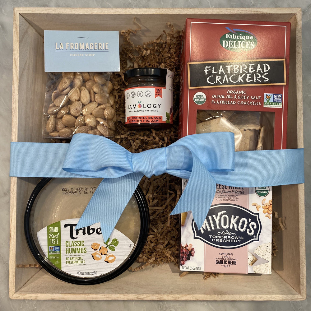 Load image into Gallery viewer, Gourmet Vegan Cheese Gift Box