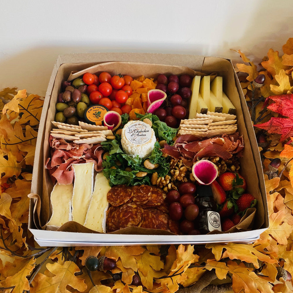 Ultimate Cheese & Meat Grazing Box (4-5 People)