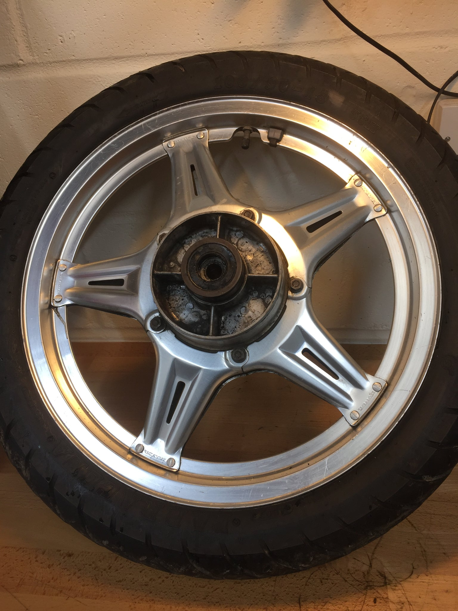 Honda CB250N Superdream rear wheel