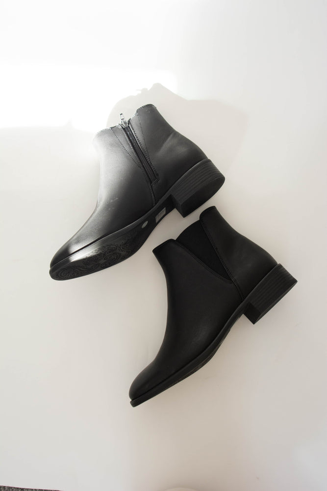 Load image into Gallery viewer, Doja Black Bootie