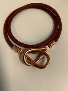 HERMES JUMBO LEATHER GOLD CLASP BRACLET