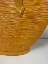 Load image into Gallery viewer, LOUIS VUITTON SAINT JACQUES PM EPI  LEATHER