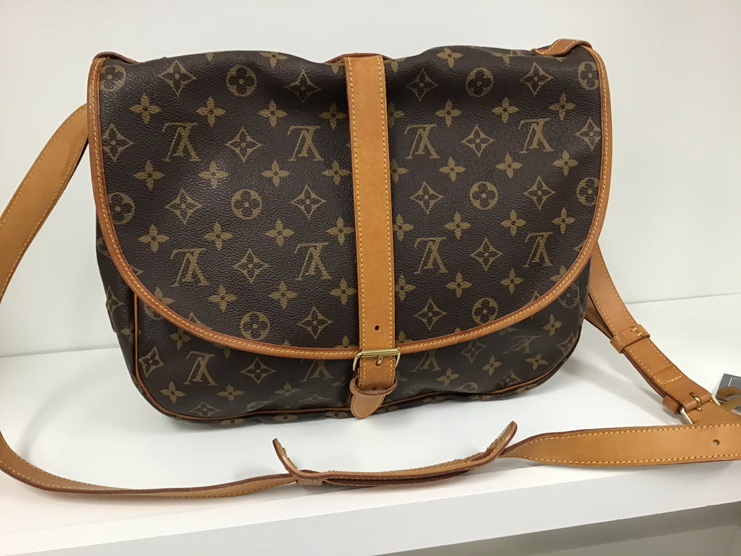 LOUIS VUITTON MONOGRAM SAUMUR SHOULDER BAG