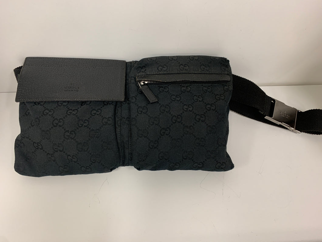 GUCCI CANVAS GG LOGO BELT BAG