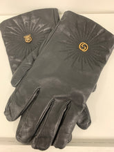 Load image into Gallery viewer, GUCCI LOGO BLACK LEATHER GLOVES