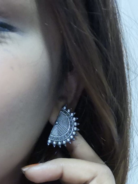 Earrings - Crescent Silver Stud [SoldOut]