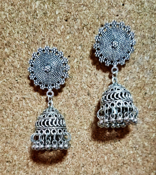 Earrings - Dangling Silver Jimikki [Available]