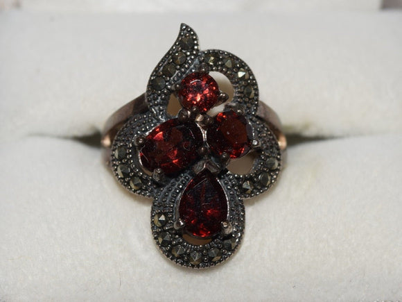 Vintage Sterling Silver Dinner Ring with 4 Red Rubies. Exquisite Victorian filigree design