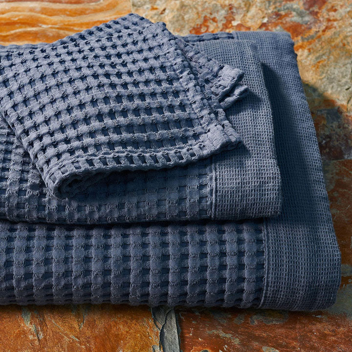 Gilden Tree | Waffle Bath Towels | Midnight Blue Bath Towel
