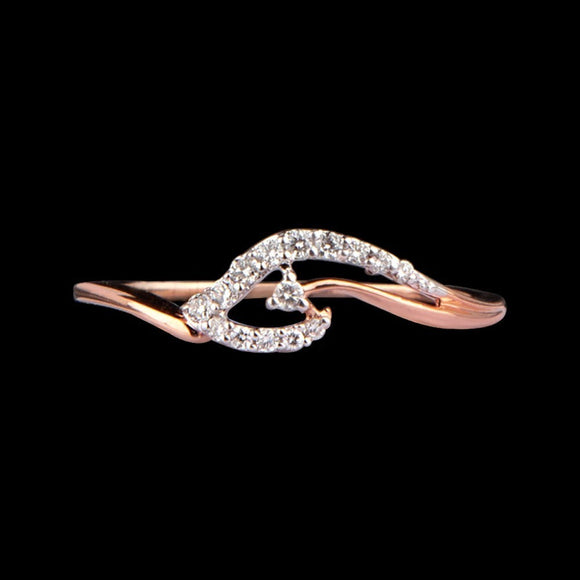 R6585 - Elegant Waves Ring