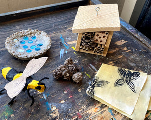 Maker Box: Pollinators