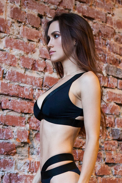 Sport Bra Basic Black Designed for Fitness Australia side